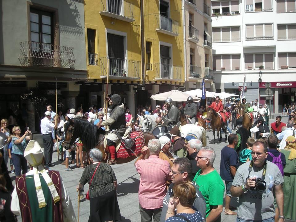 Desfile  de los esponsales de Ramon Berenguer IV y Petronila de Aragón en Barbastro