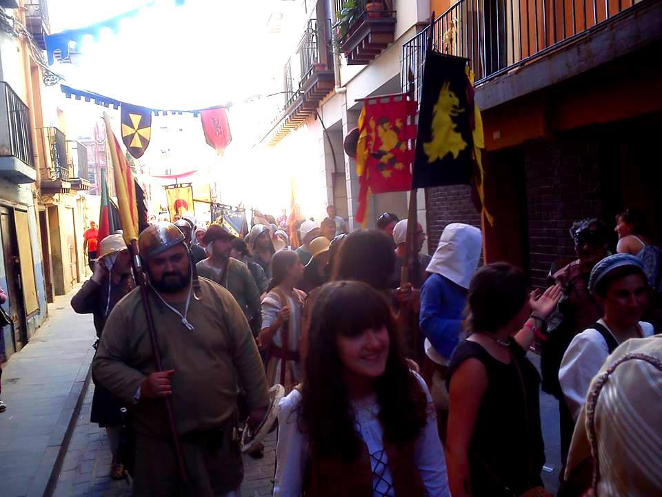 Desfile por las calles de Calatayud en las Alfonsadas