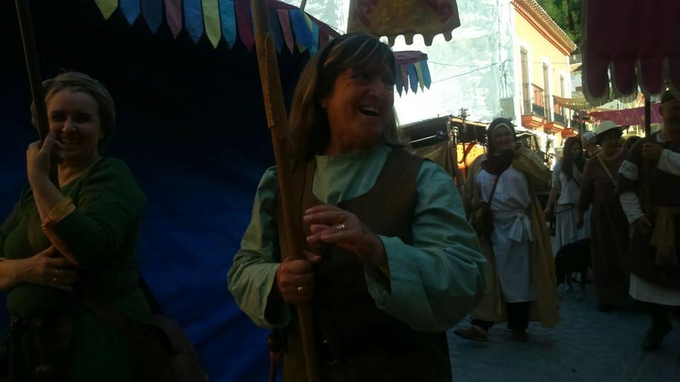 Recreacionistas en el desfile de La Puerta del Tiempo de Almansa