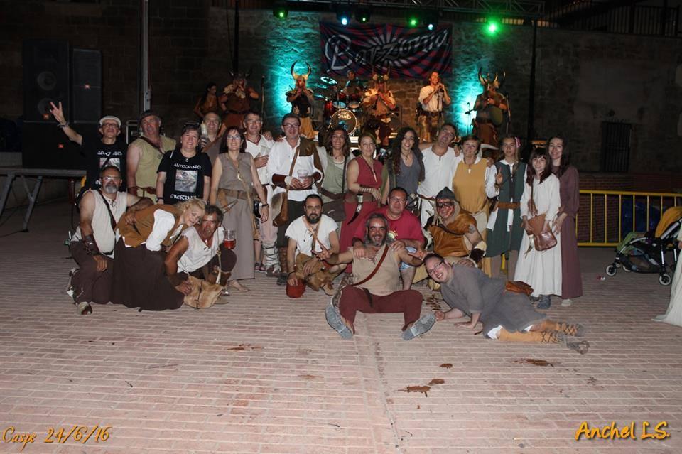 Momento del Concierto del grupo Barzonia en la fiesta del Compromiso de Caspe