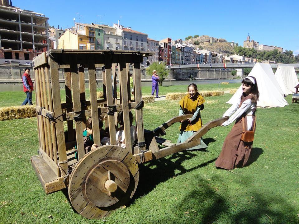 Juegos en el Campamento Medieval