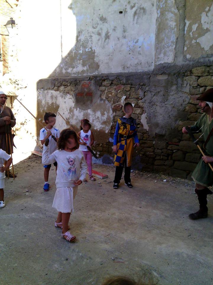 Taller de lucha con azconas en Luesia en la Don Miguelada