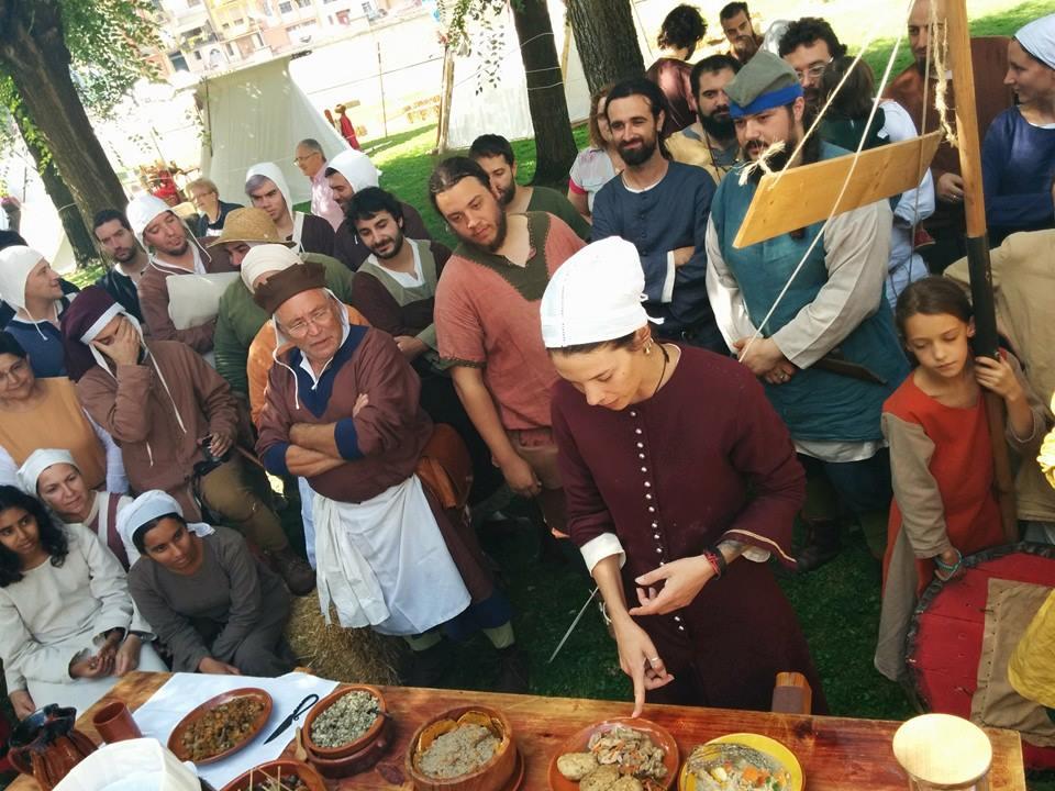 Campeonato de cocina entre los recreacionistas de Balaguer